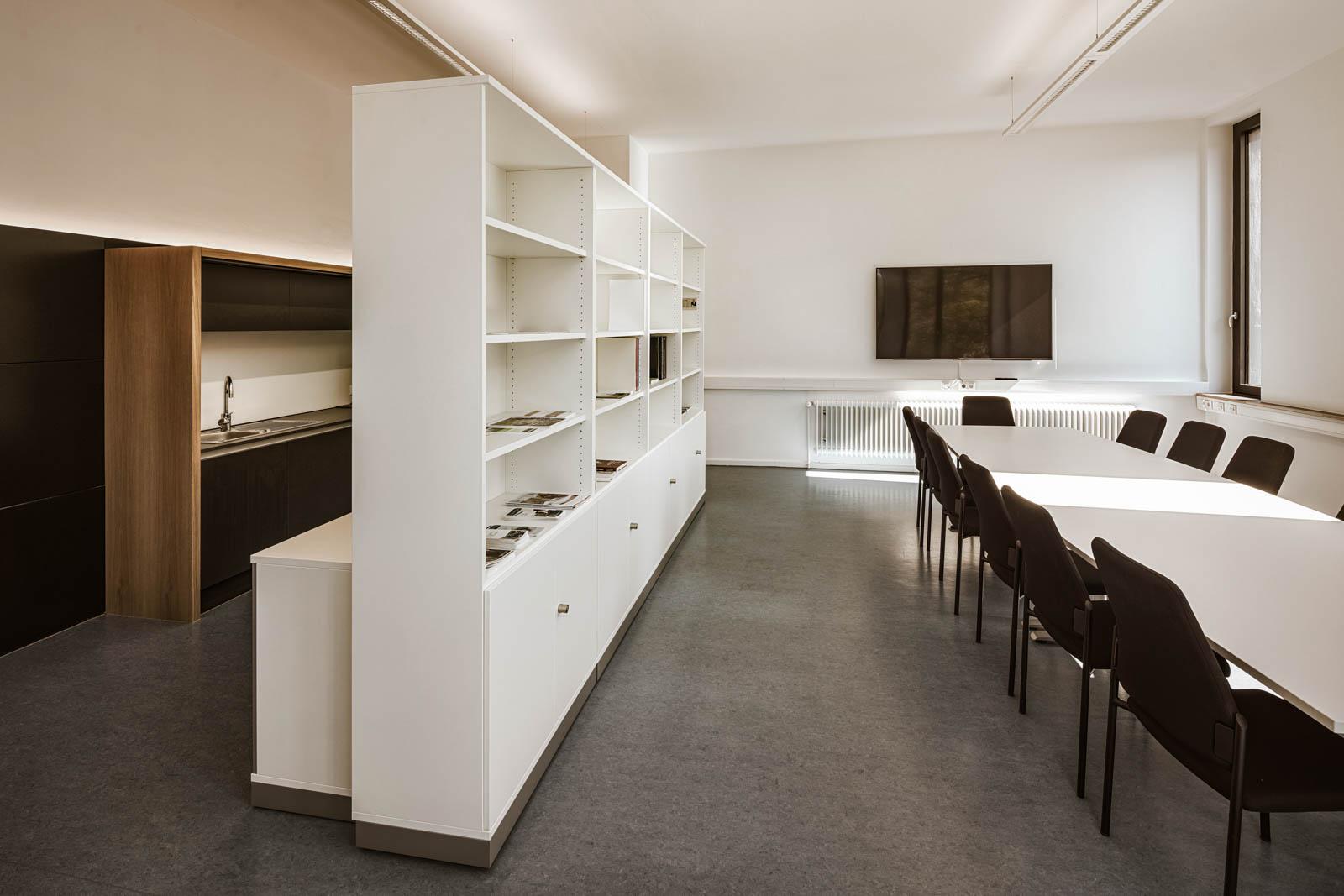 Nickel und Wachter Architekten - energetische Sanierung Uni Bamberg Besprechungszimmer