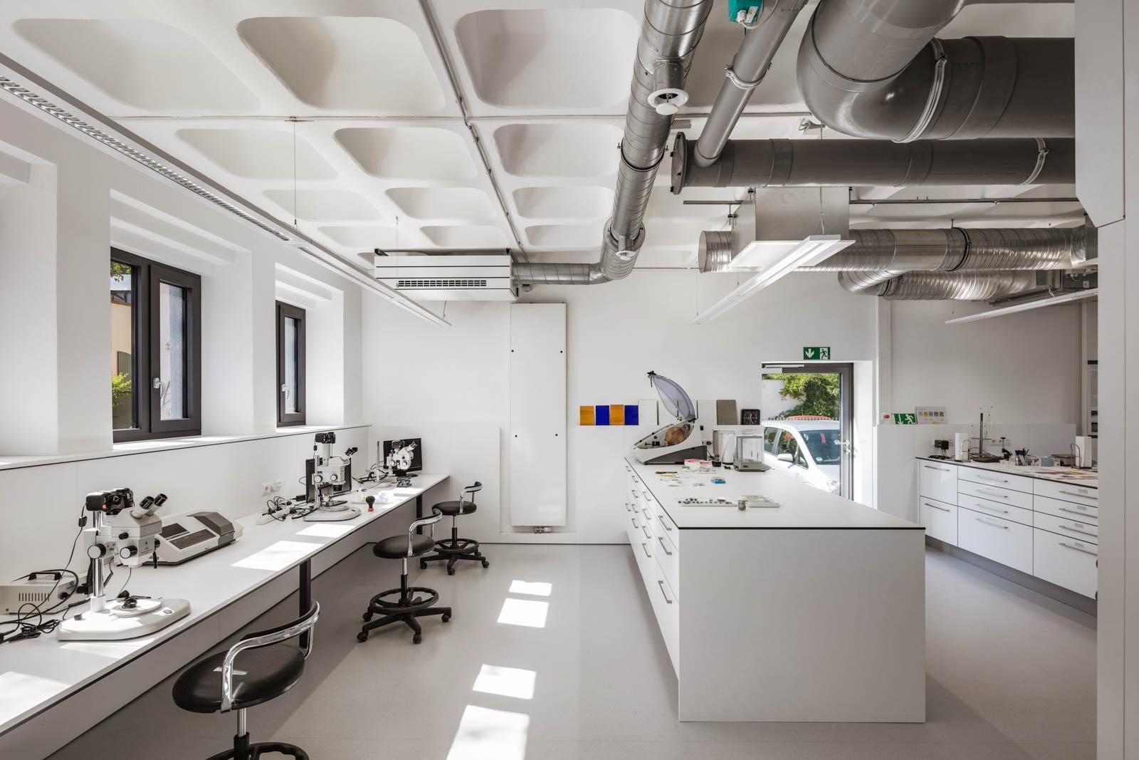 Nickel und Wachter Architekten - energetische Sanierung Uni Bamberg Laborraum