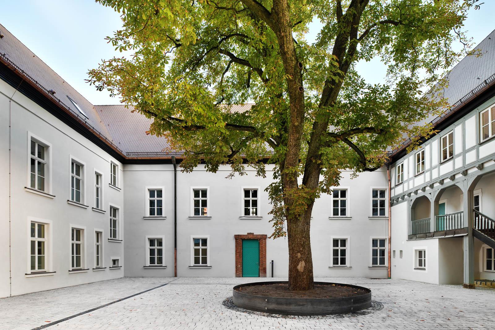 Nickel und Wachter Architekten - Sanierung Mariahilf Bamberg Innenhof